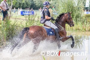 Jan van Beek tijdens cross county in Outdoor Helvoirt